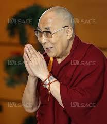 Le Dalai Lama repart en Inde : souhaitons que sa Sagesse soit durablement contagieuse….